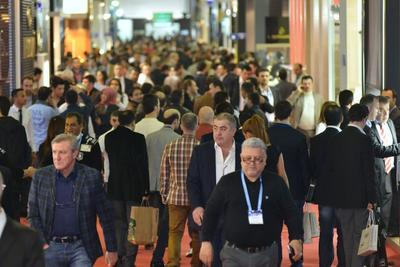 Istanbul Jewelry Show -  traffic inside the halls