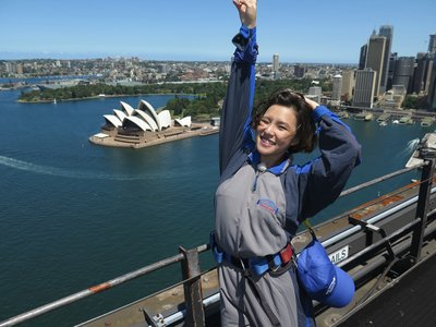 Xie Yilin enjoying the view from the top of Sydney Harbour Bridge