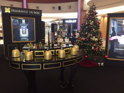 Fragrance Du Bois' signature cloches on display at Robinsons' Christmas Atrium at the Gardens Mall for shoppers and perfume lovers to enjoy the allure of Oud-based fragrances.