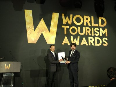 """Deer Jet received the award for """"World's Best Private Jet Company"""" at the World Tourism Awards Ceremony held at the Ciragan Palace, Istanbul."""