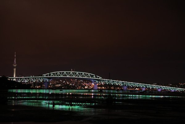 The solar power of Vector Lights has transformed Auckland Harbour Bridge