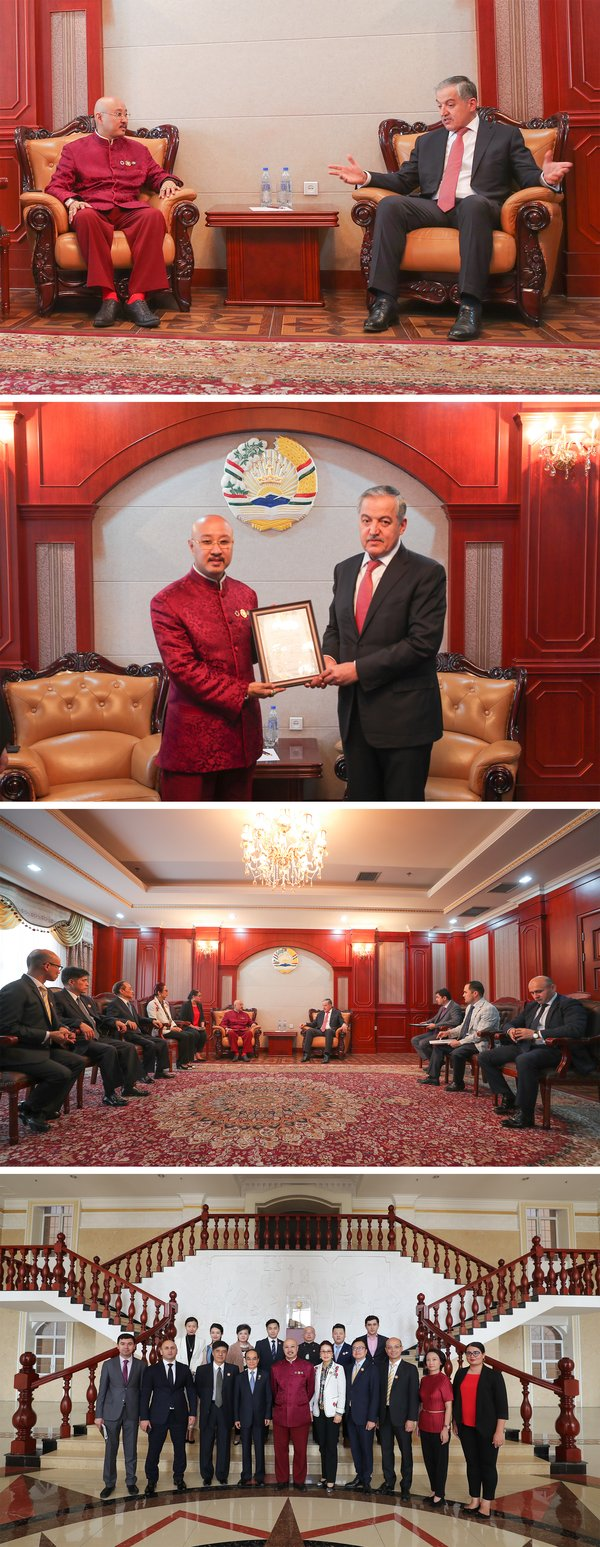 Minister Aslov presented Recognition Certificate to Dato' Sri Prof. Ng, Tat-yung