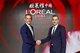 欧莱雅中国现任首席执行官斯铂涵(左)与欧莱雅中国新任首席执行官费博瑞(右)
